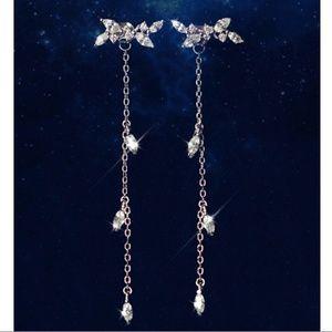 Jewelry - Beautiful silver & rhinestone 2 piece earrings